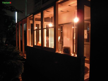 夜のガーデンルーム(LIXILココマ)