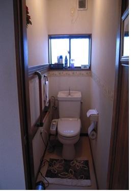 旧式タイプのトイレ