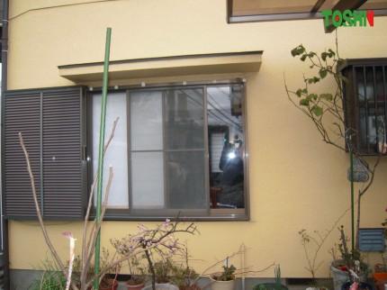 腰高窓を掃出し窓にリフォーム