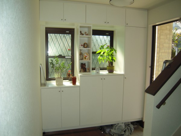 玄関収納を造作家具工事