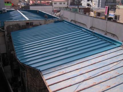 屋根被せ葺き工事 施工後
