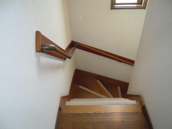 介護保険を使った階段手摺取付工事完了