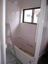 浴室改修工事今日は配管を接続します