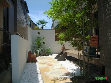 リゾート気分を味わえるお庭
