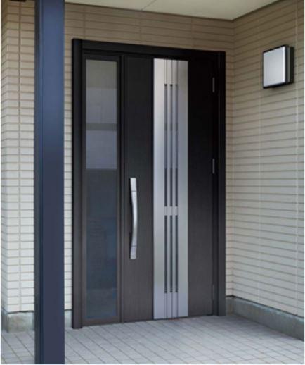 玄関ドアをワンデイリフォーム「リシェント」