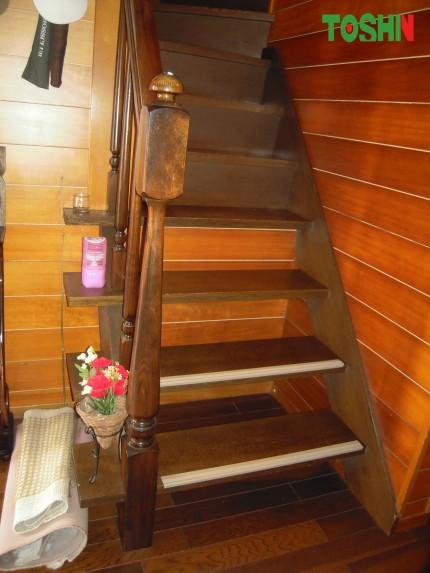 階段のすべり止め取付