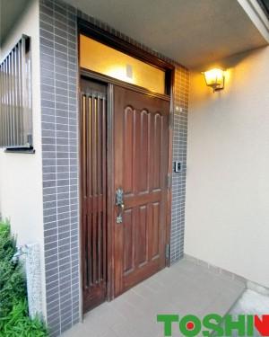 玄関ドアリフォーム 施工前