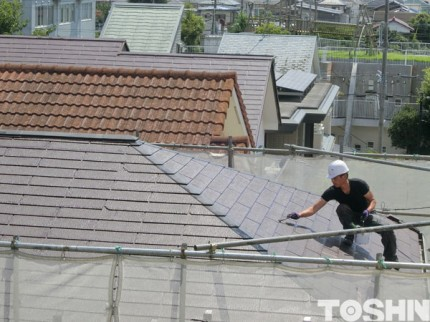 屋根の点検と塗装 塗装中 相模原市